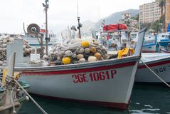 Mały port Camogli z typowymi łodziami rybackimi - genua Zdjęcia Royalty Free