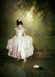 Mały princess i wodna leluja zdjęcia royalty free