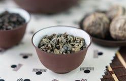 Mały puchar susi zielona herbata liście Obrazy Royalty Free