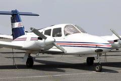 Mały samolot na rampie zdjęcie stock