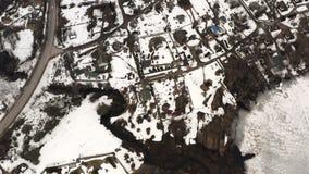 Mały strumień od rzeki płynie podmiejski kompleks zbiory wideo