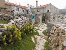 Mała aleja i starzy domy w Lubenice Obraz Royalty Free