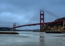 Ma?ana de niebla en el Golden Gate foto de archivo