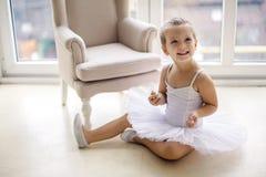 Mała baleriny dziewczyna 2 roku w studiu Zdjęcia Royalty Free