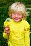 mała dandelions dziewczyna obrazy royalty free
