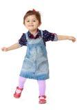 Mała dziewczynka ma zabawa skok Obraz Royalty Free