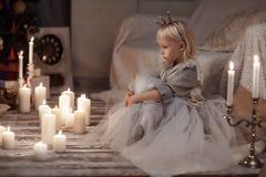 Mała dziewczynka w princess koronie Fotografia Royalty Free