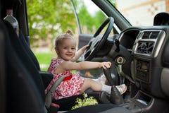 Mała dziewczynka w samochodzie Fotografia Stock