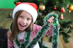 Mała dziewczynka z Santa kapeluszem Obrazy Stock