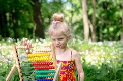 Małe dziecko uczenie mathematics Zdjęcie Royalty Free