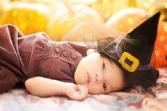 małe dziewczyn banie Halloweenowy kartka z pozdrowieniami Obraz Stock