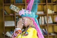 Małego dziecka modlenie Pai, Tajlandia Zdjęcia Royalty Free