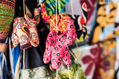 Małej tkaniny handmade zabawki przy afrykanina rynkiem Fotografia Royalty Free