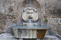 Mała fontanna w Rzym. Fotografia Stock