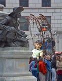 Mała gigantyczna dziewczyna Obrazy Royalty Free