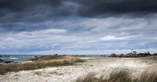 Mała ligthouse linia brzegowa w Brittany, Francja Zdjęcie Stock