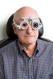 ma mężczyzna starego egzaminacyjny oko Fotografia Royalty Free