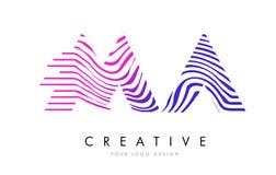 MA M A Zebra Lines Letter Logo Design avec des couleurs magenta Image stock