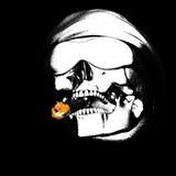 Mán cráneo con el cigarro Imagen de archivo libre de regalías