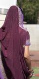 ma na sobie indyjski sari kobiety Obrazy Royalty Free
