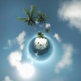 Mała planeta, ocean, tropikalna wyspa, drzewka palmowe Zdjęcia Stock