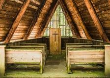 Mała Plenerowa kaplica w drewnach Obraz Royalty Free