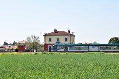 Mała stacja lombard wioska w wsi - Ital Obraz Stock