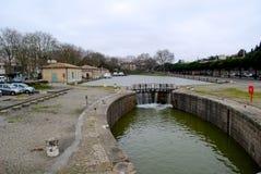 Mała tama blisko Carcassonne staci kolejowej Zdjęcia Royalty Free