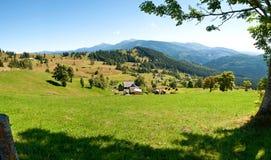 Mała wygodna mountaine wioska Zdjęcia Royalty Free
