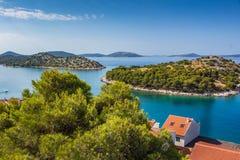 Mała wyspa w Adriatic morzu w lecie Zdjęcia Stock