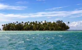 Mała wyspa w oceanie spokojnym, Francuski Polynesia zdjęcia royalty free