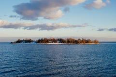 Ma?a wyspa w zatoce Finlandia fotografia stock