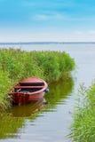 Mały czerwony fisherboat obrazy royalty free