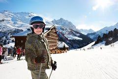 mały dziecka narciarstwo Obrazy Royalty Free