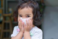 Mały dziewczynka gag Obraz Royalty Free