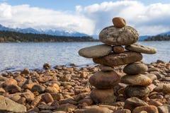 Mały kamienny inukshuk Zdjęcie Stock
