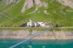 Mały most na jeziorze Fotografia Royalty Free