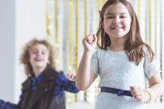 Mały partyjnej dziewczyny taniec Zdjęcia Royalty Free