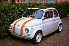 Mały rocznika samochód - Fiat 500 Zdjęcia Stock