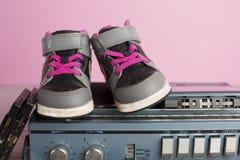 Małych dzieci sneakers buty Zdjęcie Royalty Free