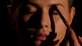 Maak het jonge meisje goed zwart close-up stock footage