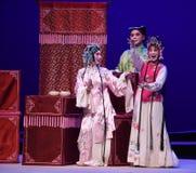 """Maak onvoorbereide grappige gebaren en ramarks-Kunqu het Opera """"the Westen Chamber† Royalty-vrije Stock Afbeeldingen"""
