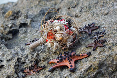 Maakte het huwelijks bruids boeket †‹â€ ‹van shells en parels en andere Stock Afbeeldingen