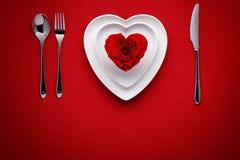 Maaltijd op Valentijnskaartendag stock afbeelding