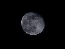Maan bij de zwarte Royalty-vrije Stock Foto