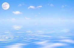 Maan en de Blauwe Schoonheid van de Hemel Royalty-vrije Stock Afbeelding