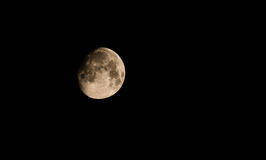 Maan en de donkere hemel en de wolken Stock Foto