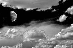 Maan en wolken Royalty-vrije Stock Foto's
