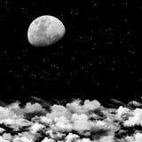 Maan en wolkenachtergrond stock afbeelding