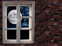 Maan in het venster Royalty-vrije Stock Foto